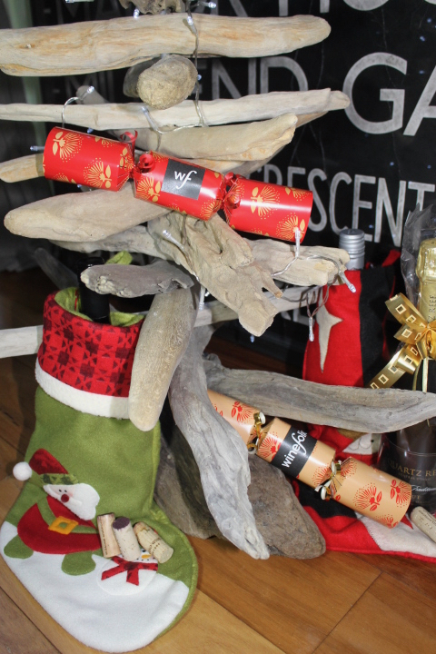 Wine for Christmas with crackers