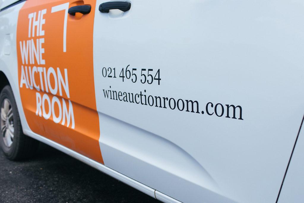 Wine Auction Room van