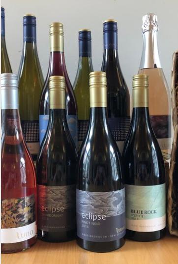 Luna Estate wines