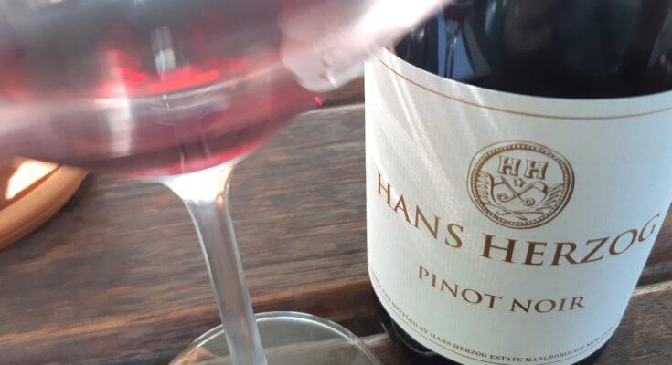 Hans Herzog Pinot Noir 2014