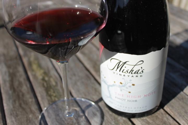 Mishas The Nigh Note Pinot